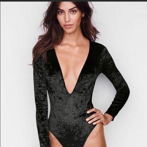 NWT Victoria's Secret velvet bodysuit size M/L